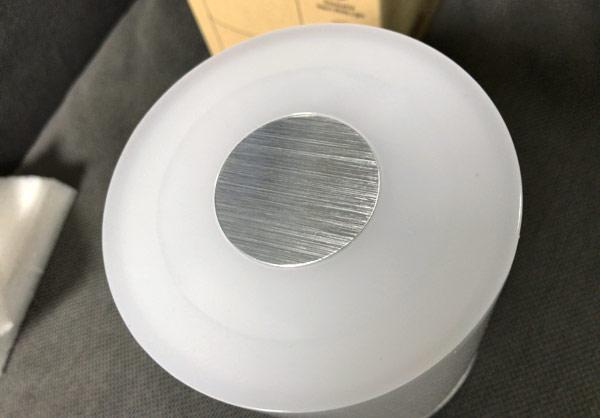 子どもの寝室には直接光が目に入らない照明(ベットサイドランプ)が必要な理由