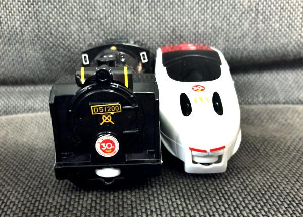 【プラレールのハッピーセット】「新800系新幹線」と「D51 200号機蒸気機関車」をゲット!