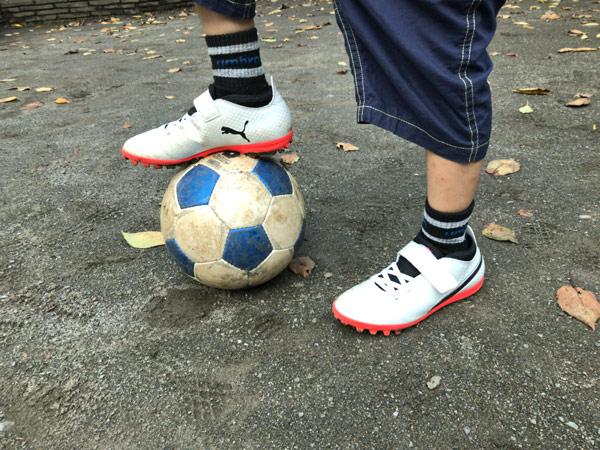 PUMA ONE(プーマ ワン)とサッカーボール