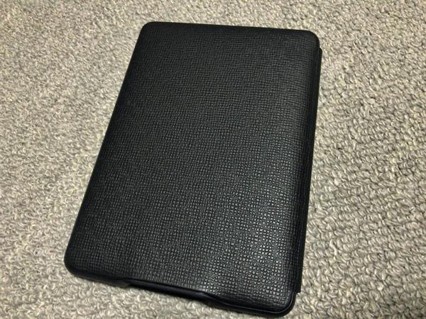 Amazon Kindle Paperwhite用レザーカバー