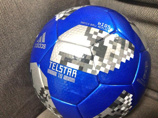 【今買うならこれ!】子ども用サッカーボールはワールドカップ公式球テルスターがオススメ