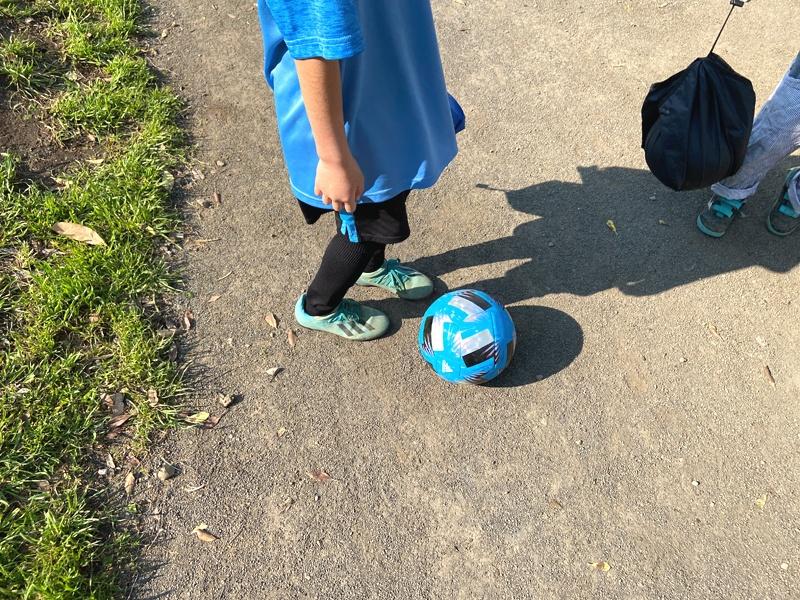 【コロナ禍でも運動を】小学生の子ども用にサッカーボール新しくしました(2020年FIFA公式球ツバサ/TSUBASA)